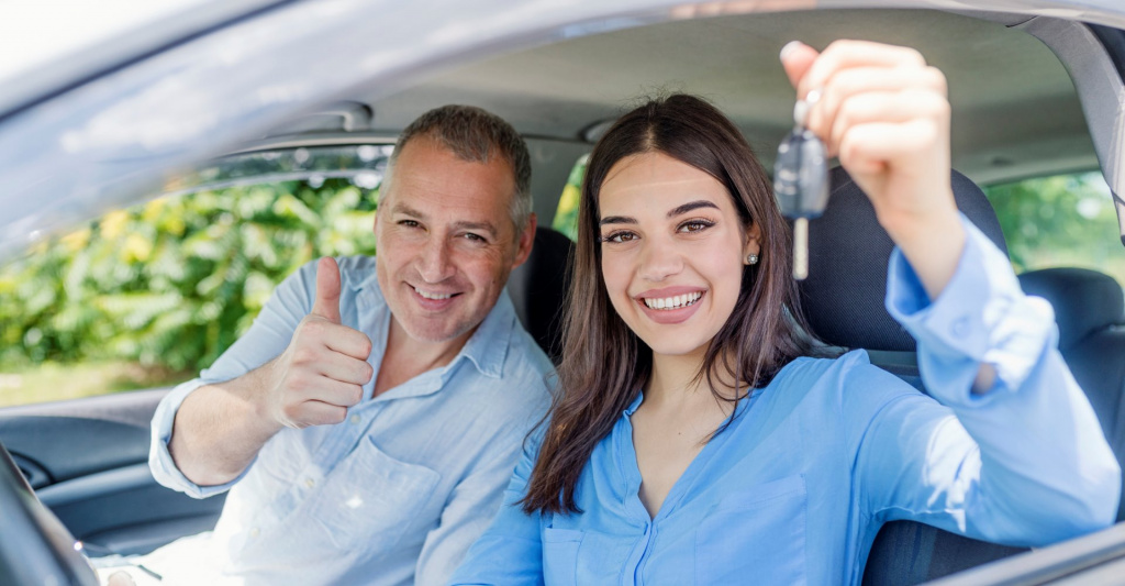 young-woman-delighted-having-just-passed-her-driving-test-picture-id985627874 (2).jpg